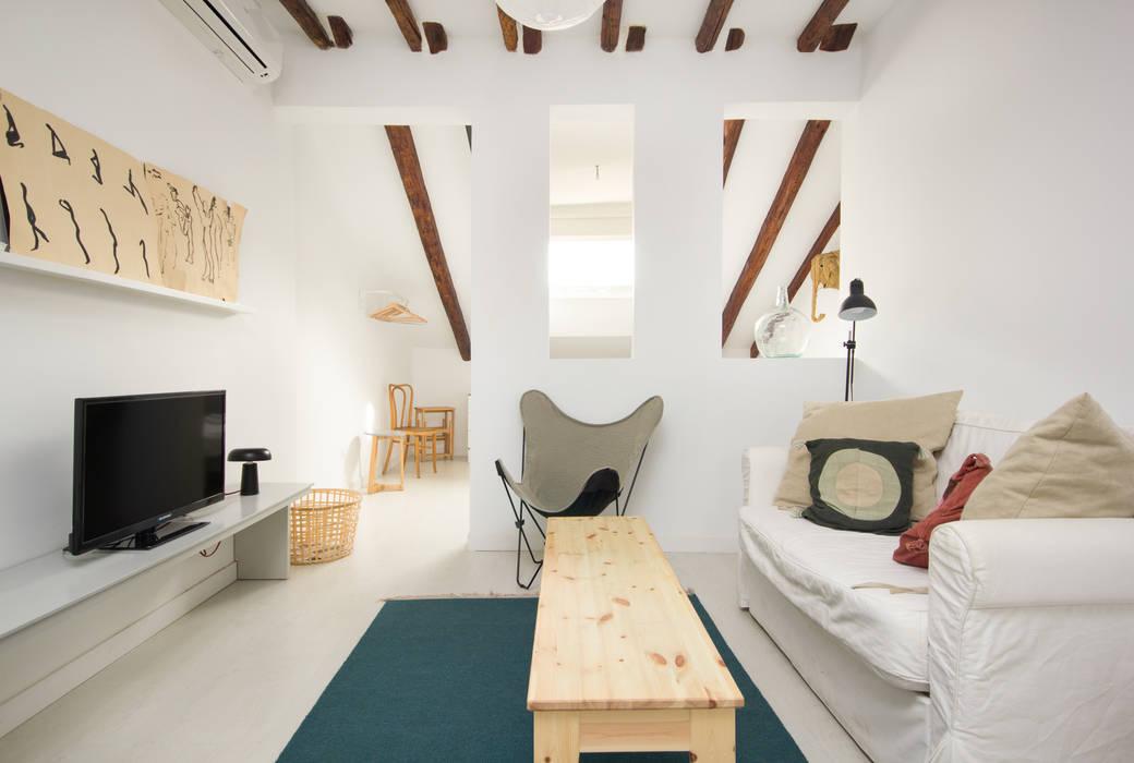 Madrid Casas (Madrid Homes) Alejandro León Photo Salones de estilo mediterráneo