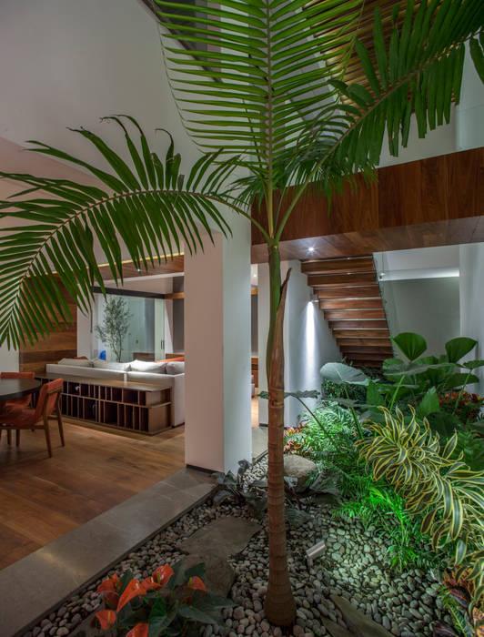 Salle à manger originale par Almazan y Arquitectos Asociados Éclectique Béton