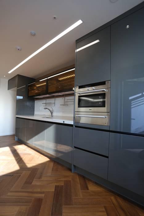Moderne Küchen von 디자인세븐 Modern