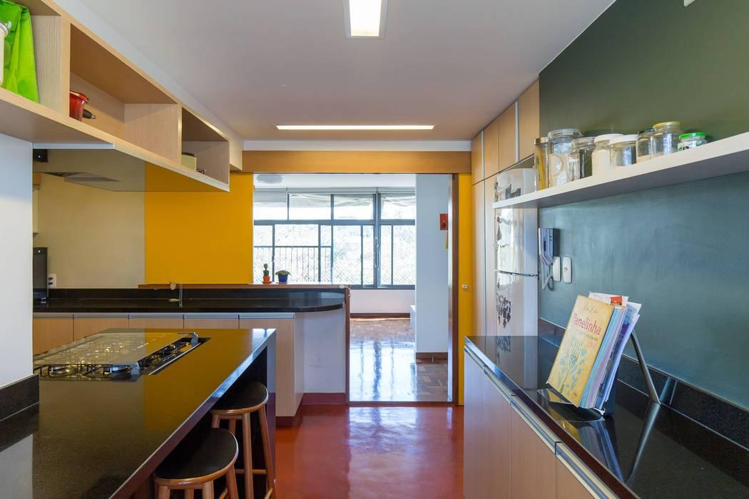 Cocinas de estilo moderno de LAB606 Moderno