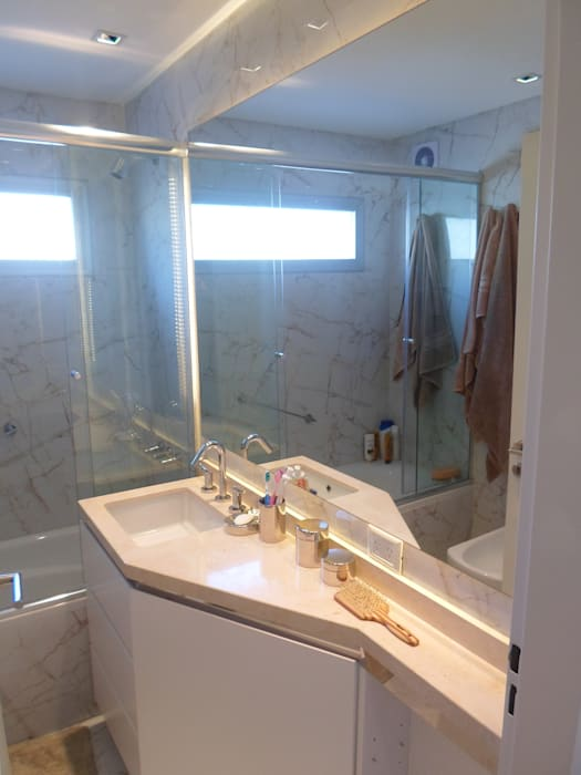 Baño Suite: Baños de estilo moderno por Estudio BASS Arquitectura