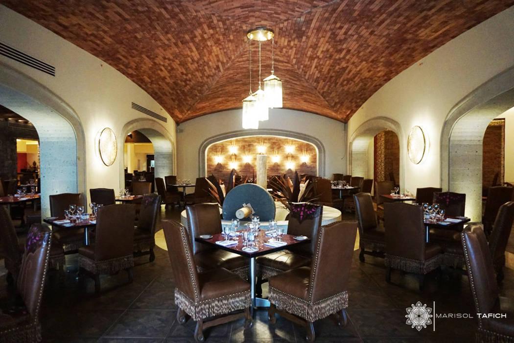 โรงแรม โดย Marisol Tafich, ชนบทฝรั่ง