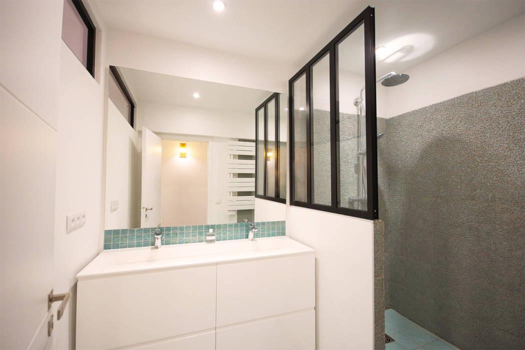 Salle de bain. Architecte Paris. Grazia architecture.: Salle de bains de style  par Grazia Architecture