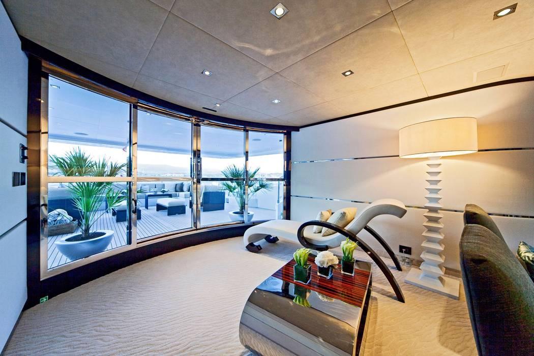 Yachts & Jets de style  par Luca Dini Design, Moderne