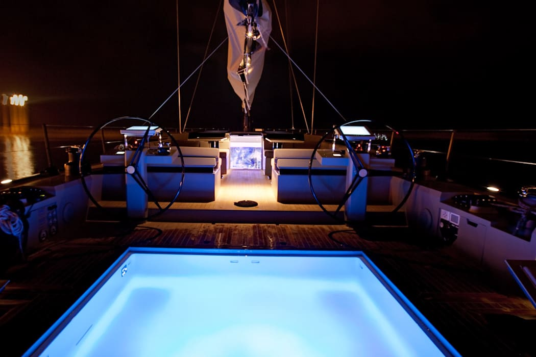 Yachts & Jets de style  par Luca Dini Design, Minimaliste
