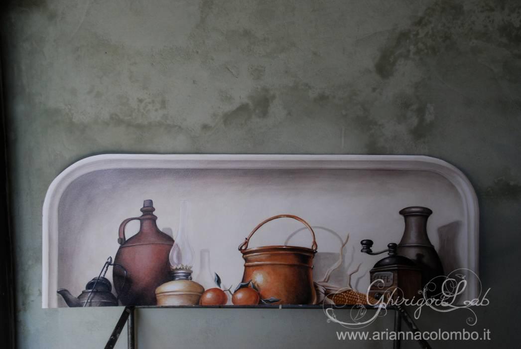 Nicchia con oggetti da cucina: Pareti in stile  di Ghirigori Lab di Arianna Colombo