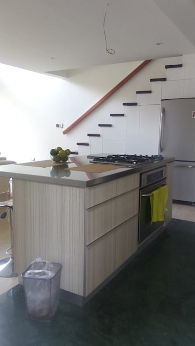 ห้องครัว โดย Spacio M+M, โมเดิร์น