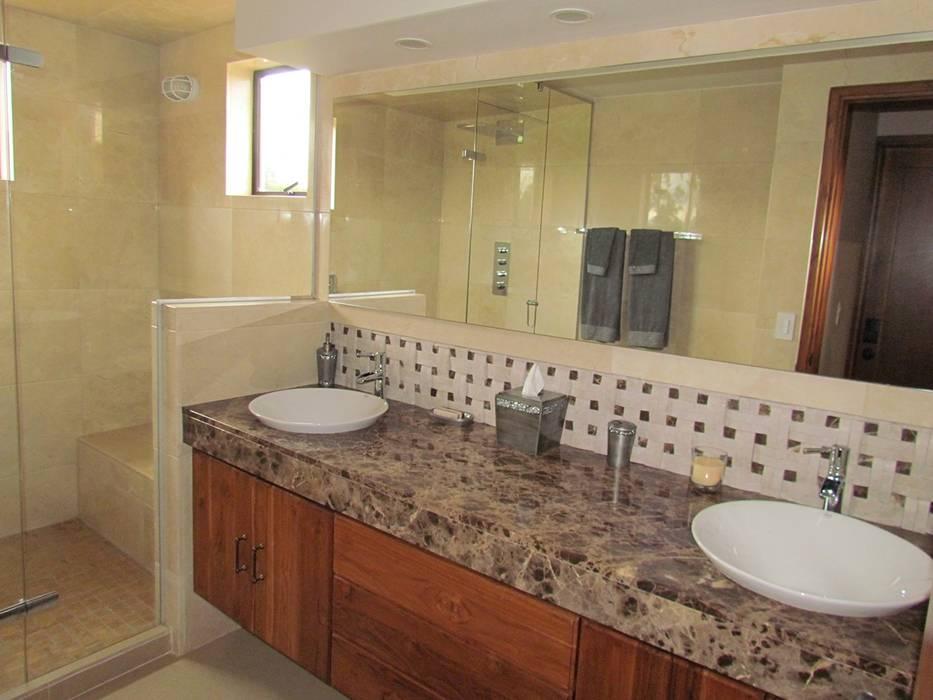 Baño: Baños de estilo  por Arquitectura Madrigal
