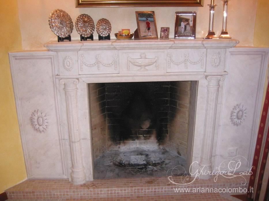 Pannelli decorati a finto marmo e bassorilievo : Pareti in stile  di Ghirigori Lab di Arianna Colombo