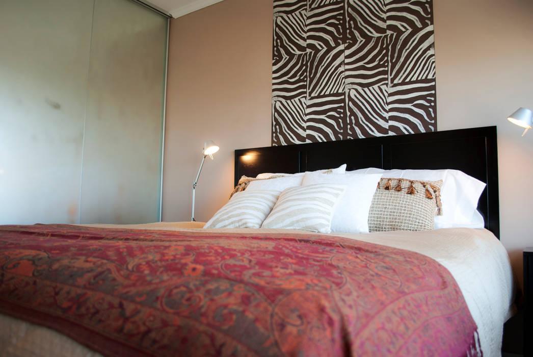 Sin espejos por favor... : Dormitorios de estilo  por Diseñadora Lucia Casanova