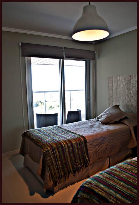 Segundo dormitorio Dormitorios eclécticos de Diseñadora Lucia Casanova Ecléctico