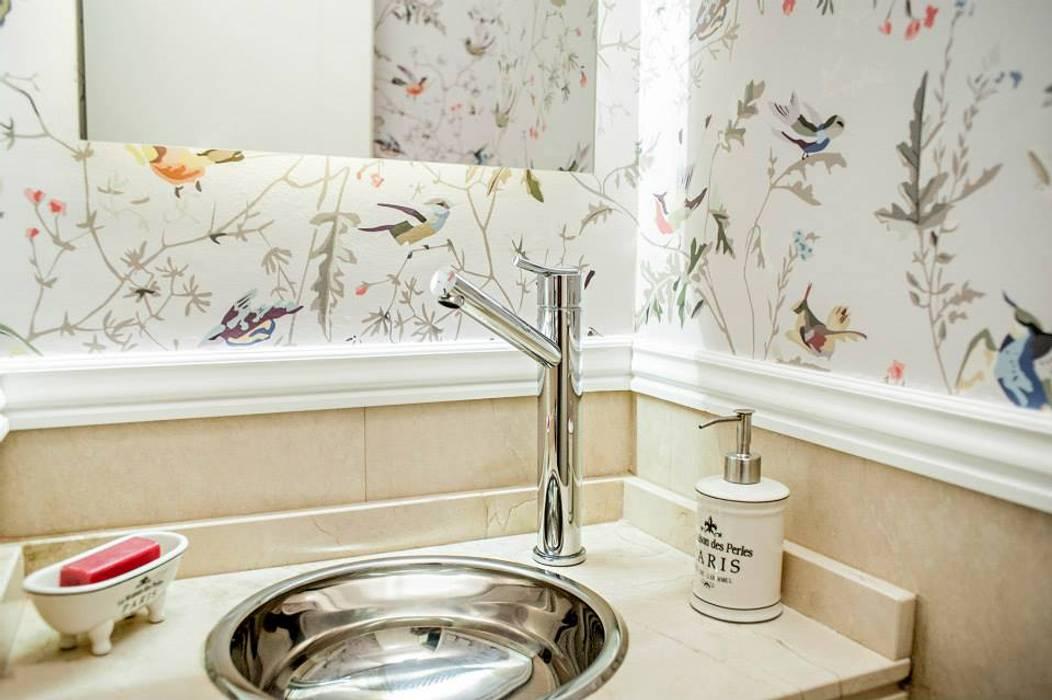 Moderne Badezimmer von Feller Herc Arquitectura Modern