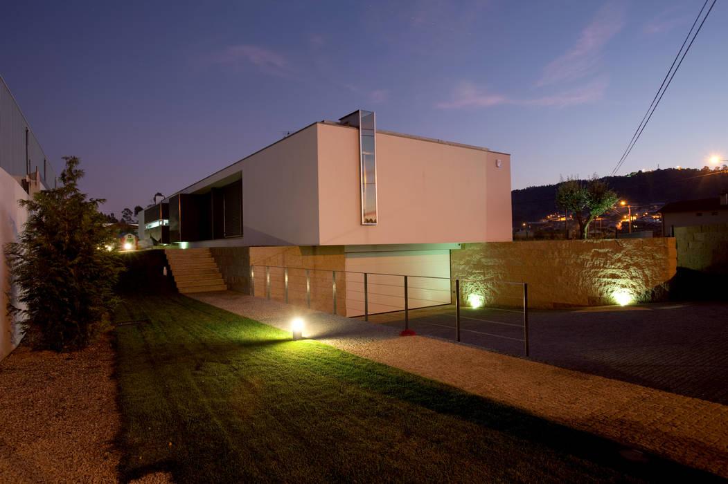 casa na trofa Casas modernas por aaph, arquitectos lda. Moderno