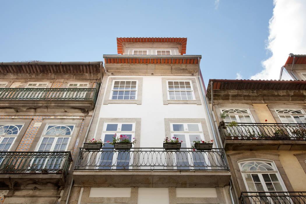 Porto Lounge Hostel Casas modernas por aaph, arquitectos lda. Moderno