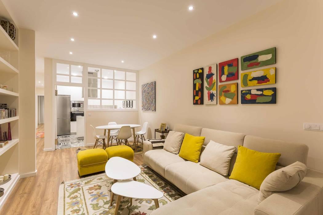 Modern living room by GESTION INTEGRAL DE PROYECTOS DEL NOROESTE S.L. Modern