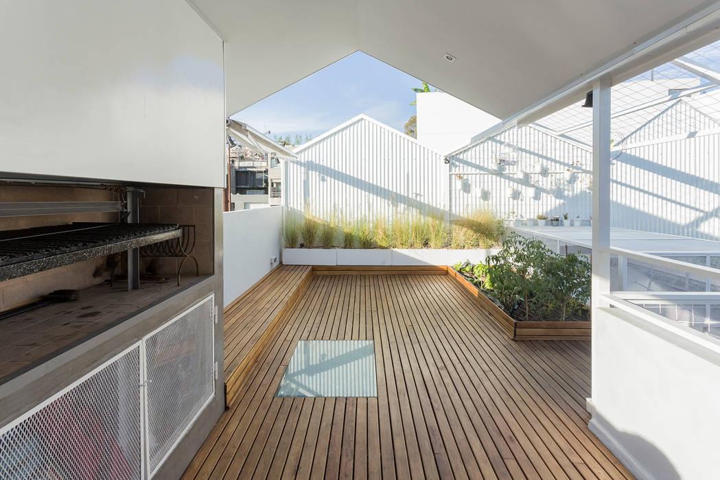 Modern Terrace by Marantz Arquitectura Modern