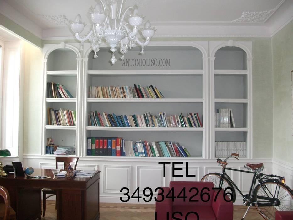 Libreria in cartongesso: Studio in stile in stile Classico di Antonio liso