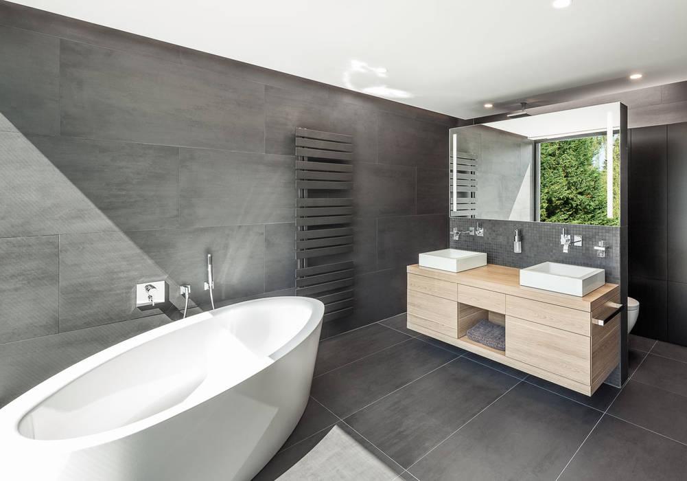 Haus H Moderne Badezimmer von ZHAC / Zweering Helmus Architektur+Consulting Modern Fliesen