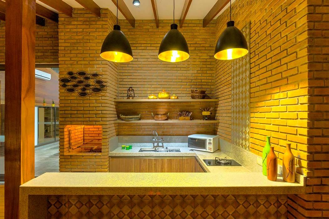 Rustic style house by Zani.arquitetura Rustic