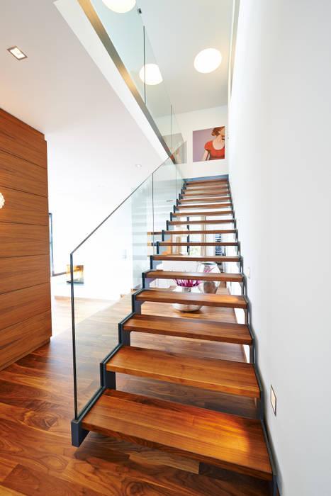 Haus E Moderner Flur, Diele & Treppenhaus von ZHAC / Zweering Helmus Architektur+Consulting Modern Holz Holznachbildung