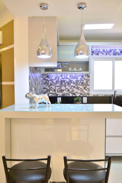 ห้องครัว โดย Graça Brenner Arquitetura e Interiores, โมเดิร์น โลหะ