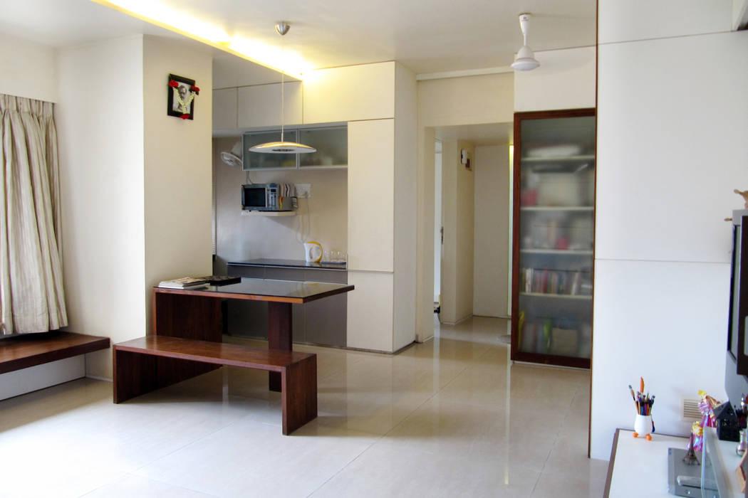 Studio Space The White Room Minimalist living room