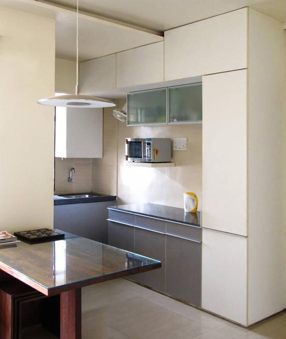KItchenette :  Kitchen by The White Room,Minimalist