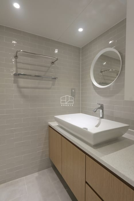 내추럴한 분위기의 34py 아파트 인테리어 : 홍예디자인의  욕실