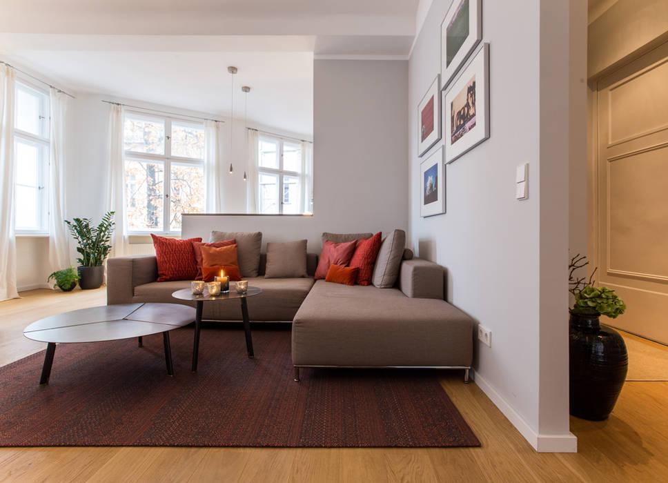 CONSCIOUS DESIGN - INTERIORS Living roomSide tables & trays Copper/Bronze/Brass Orange