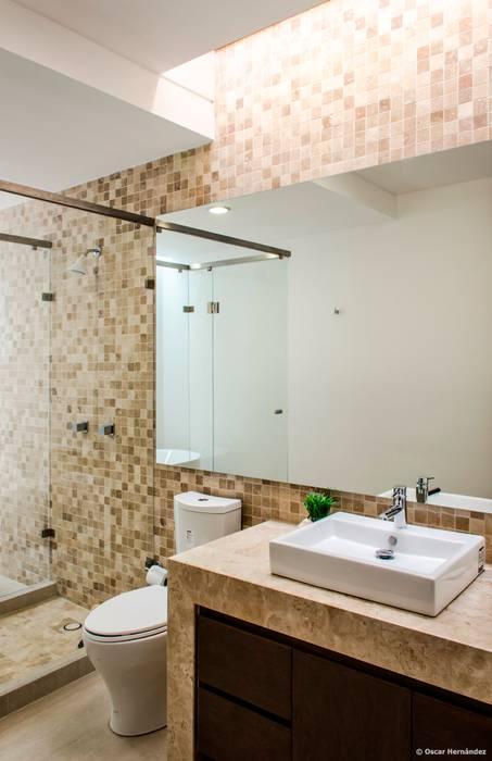 Nowoczesna łazienka od BAG arquitectura Nowoczesny Marmur