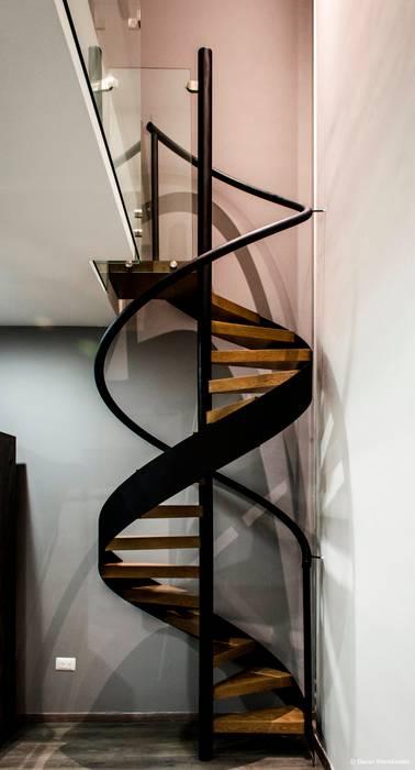 Pasillos y vestíbulos de estilo  por BAG arquitectura, Moderno Hierro/Acero