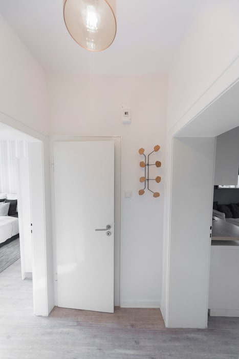 edit home staging Eclectic style corridor, hallway & stairs