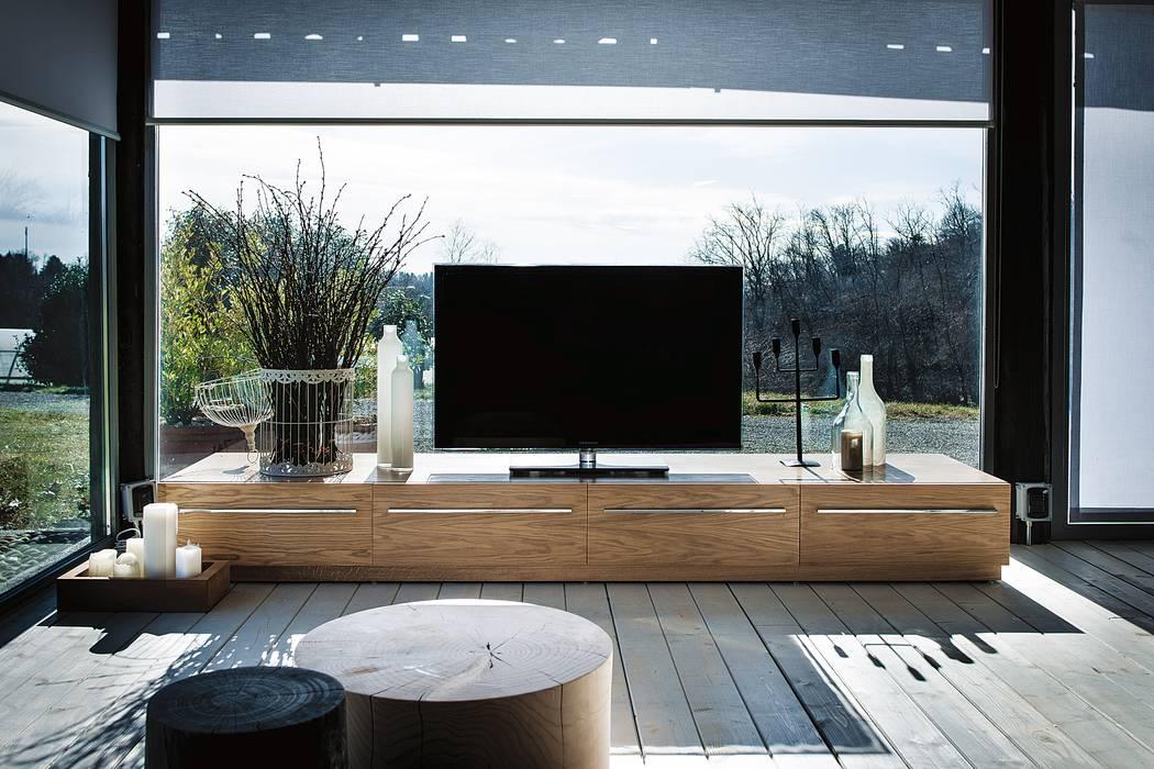 Sipario 2008 design C.R.&S. Riva1920: Soggiorno in stile in stile Moderno di Riva1920