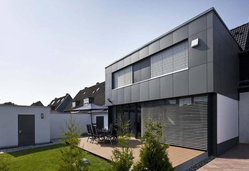 Modern houses by puschmann architektur Modern