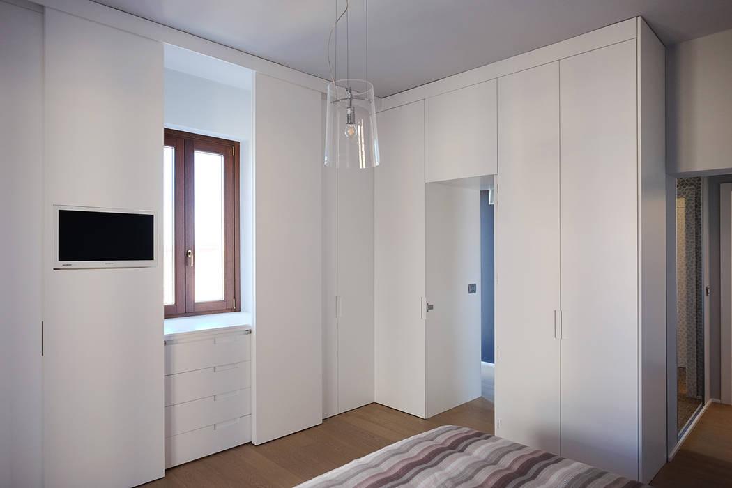 臥室 by Luca Mancini   Architetto, 現代風