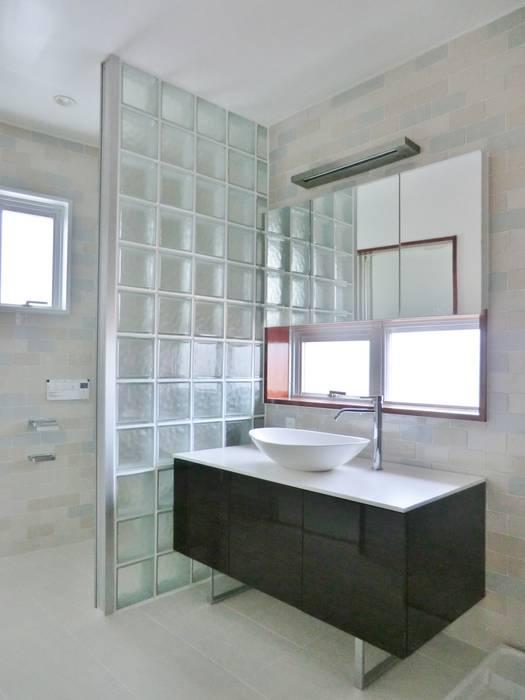 Modern dressing room by (株)スペースデザイン設計(一級建築士事務所) Modern