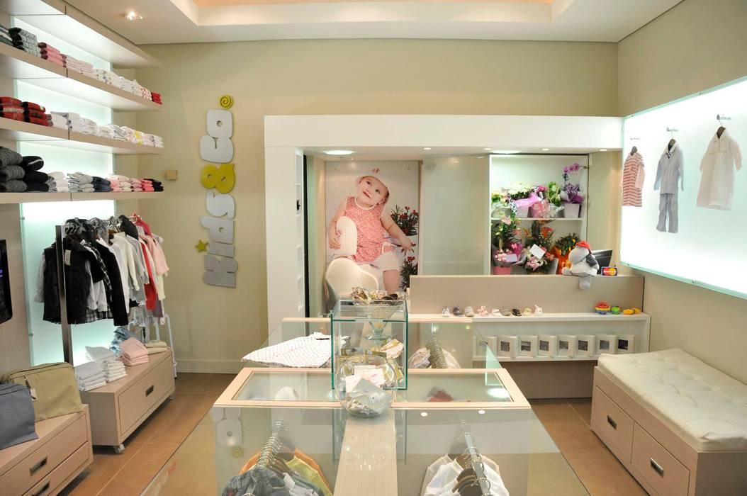 f9dc2d4f0 Loja de roupas infantil.  Lojas e imóveis comerciais por ARCA ARQUITETURA