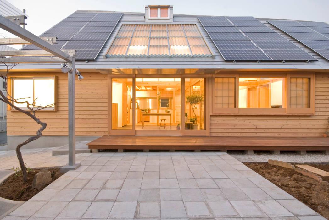 柏の平屋 ねじれ屋根のせ: 千田建築設計が手掛けた家です。