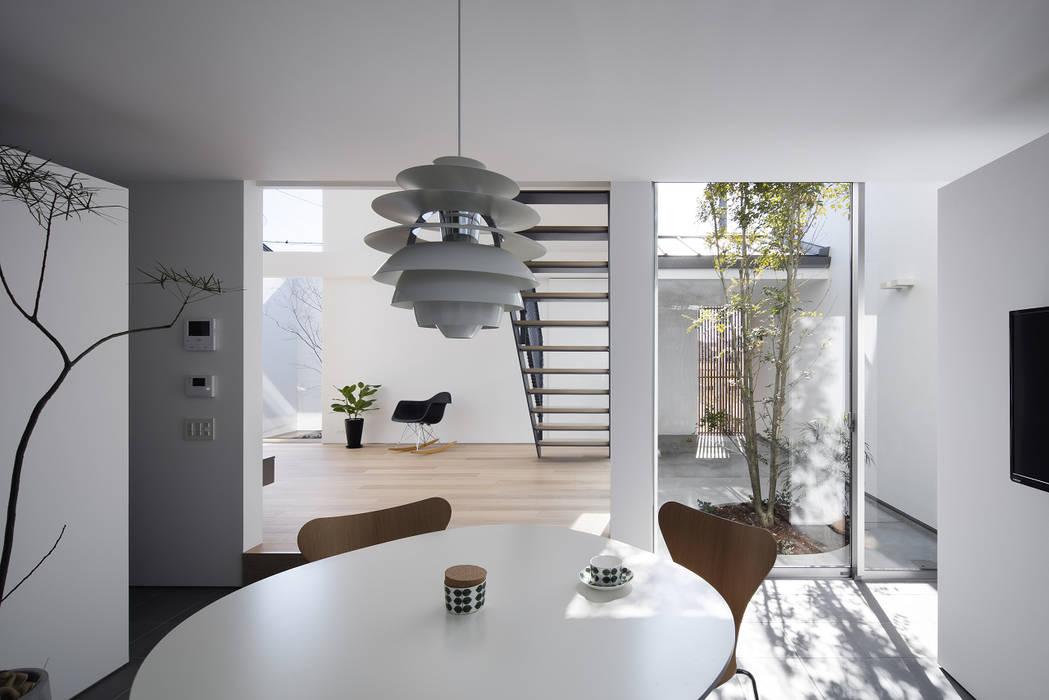 Phòng ăn phong cách hiện đại bởi プラスアトリエ一級建築士事務所 Hiện đại