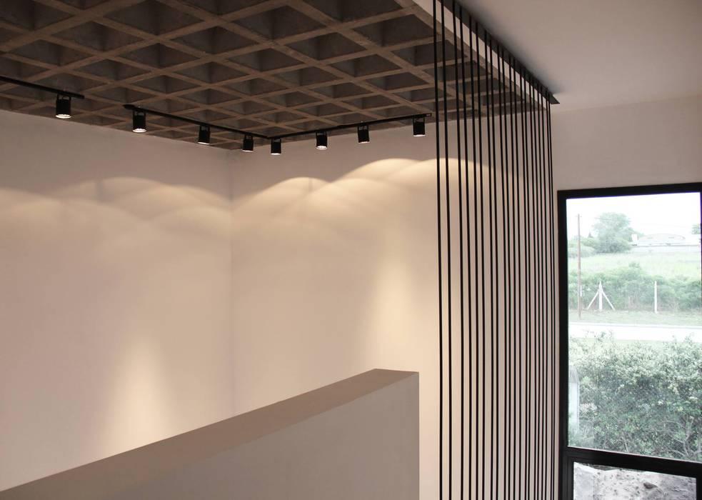 ห้องโถงทางเดินและบันไดสมัยใหม่ โดย Estudio .m โมเดิร์น ไม้ Wood effect