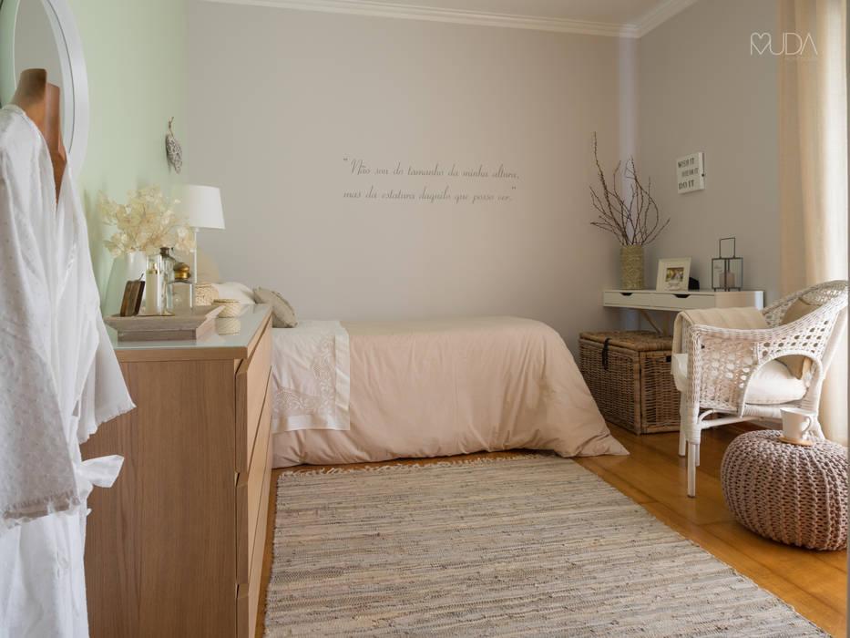 MUDA Home Design Camera da letto eclettica