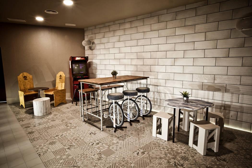 Pedini·madrid La Credenza Estudio : Salas de estilo por pedini madrid · la credenza estudio homify