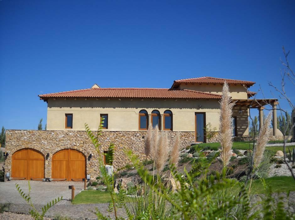 Vista Este: Casas de estilo  por Azcona Vega Arquitectos