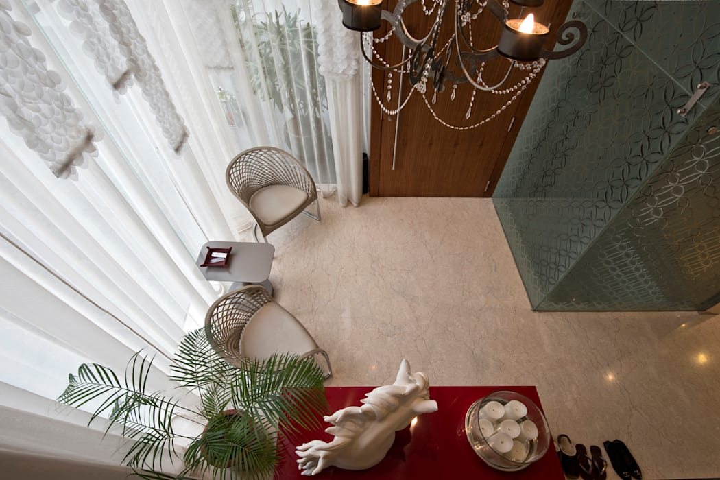 Private Residence, Koregaon Park, Pune Modern corridor, hallway & stairs by Chaney Architects Modern
