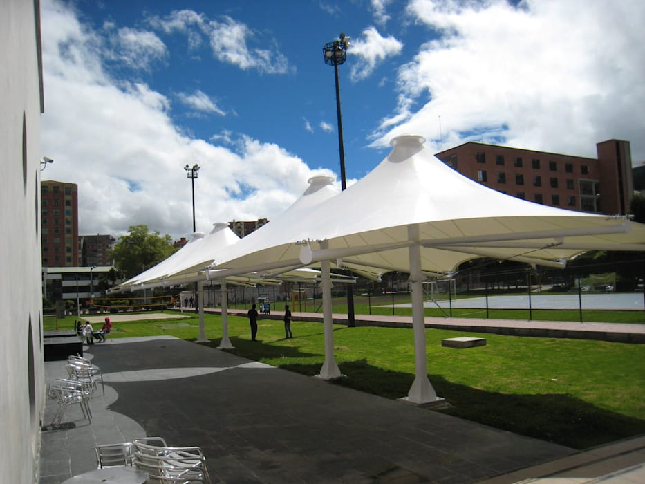 ::MEMBRANAS ARQUITECTONICAS - UNIVERSIDAD EL BOSQUE :: Jardines de estilo moderno de Diseños & Fachadas SAS Moderno