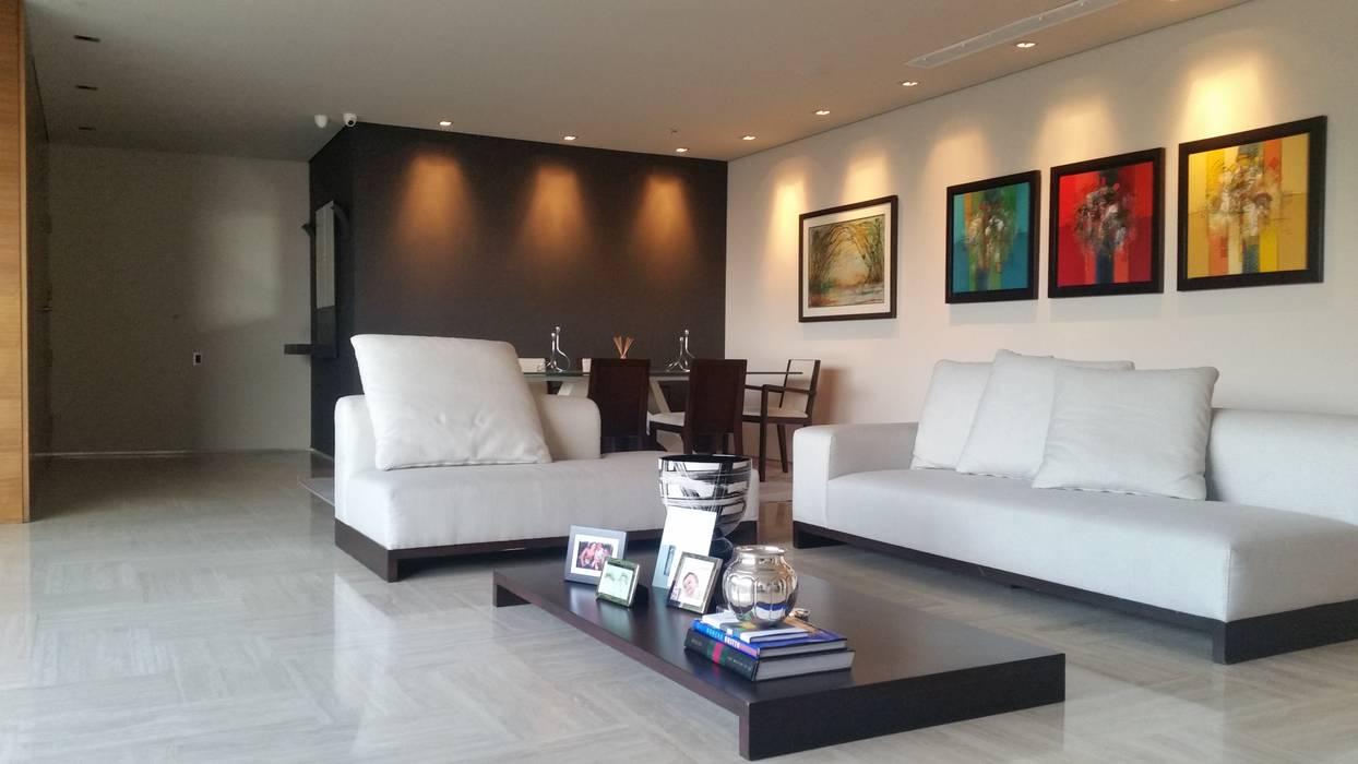 Nuevo Salón ahora iluminado y abierto de Complementi Centro Decorativo