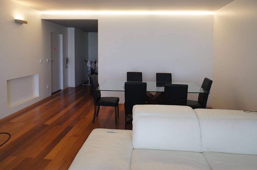Apartamento T2 - Povoa de Varzim Salas de jantar modernas por B3C Moderno