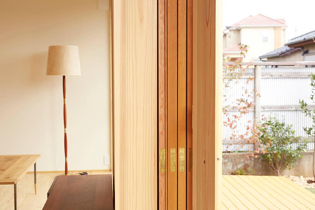 Pintu & Jendela Gaya Skandinavia Oleh 一級建築士事務所co-designstudio Skandinavia