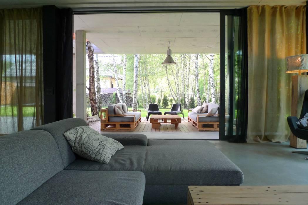 Dom jednorodzinny w Tarnowskich Górach: styl , w kategorii Taras zaprojektowany przez seweryn pracownia