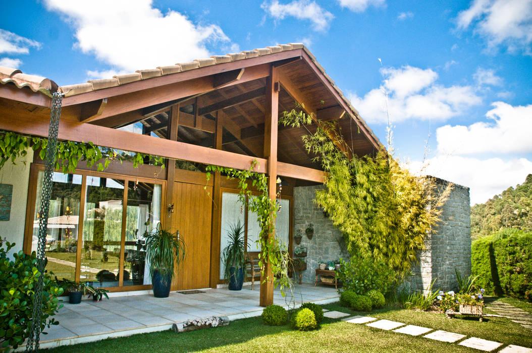 Madeira e Vidro: Terraços  por Carlos Eduardo de Lacerda Arquitetura e Planejamento